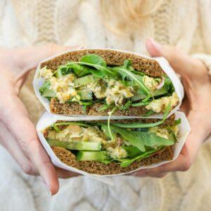 Kikkererwten-dillesandwich