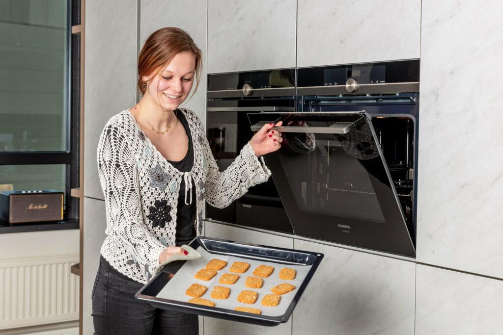 Eva in de keuken