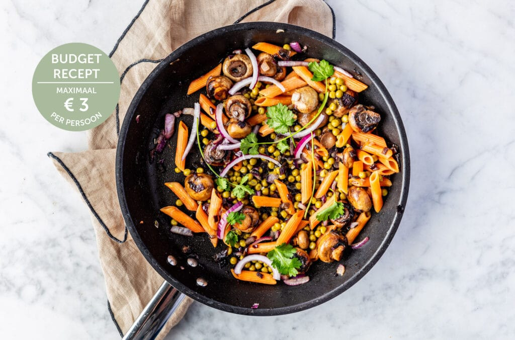 pasta met gekarameliseerde champignons budget recept