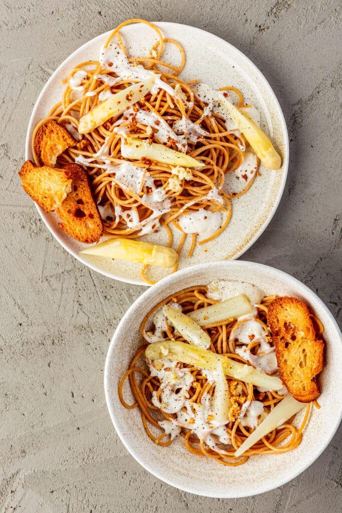 Witte asperges pasta