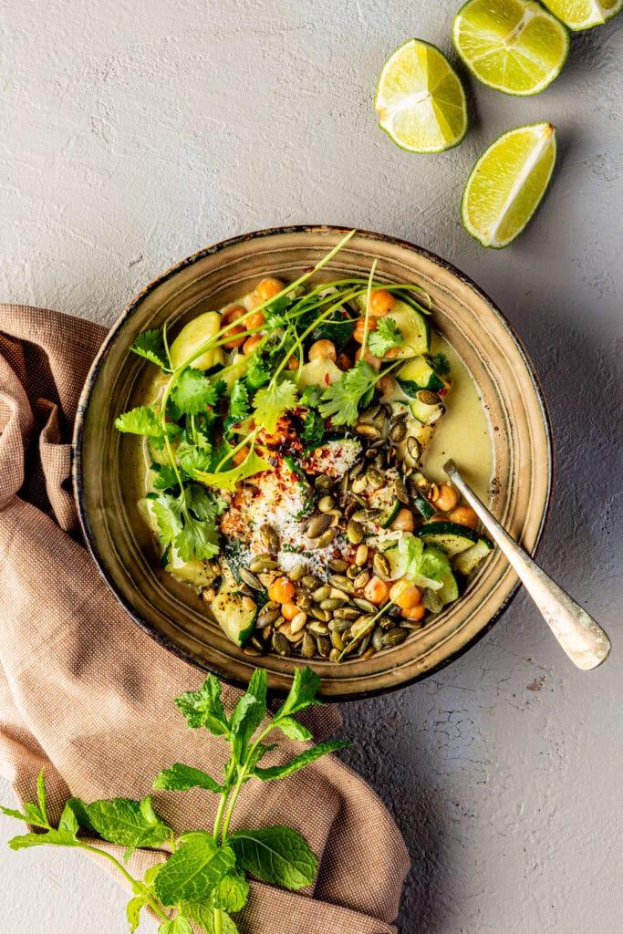 7 Ingrediënten vegan groene curry recept