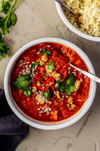 Curry van geroosterde tomaten