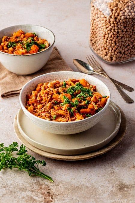 Vegan pompoenstoof met muhammara en jackfruit recept